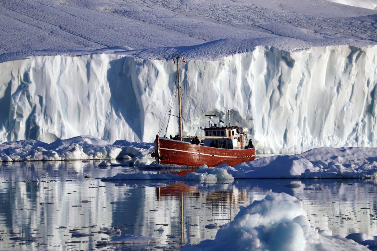 Flot bådtur på havet nær Ilulissat - Fotograf: Grønlands Rejsebureau