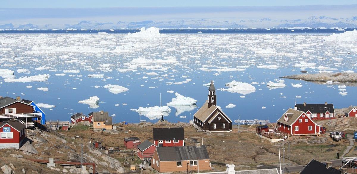 Udsigt over den smukke kirke i Ilulissat - Fotograf: Visit Greenland
